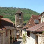 Autoire : Un village dans son écrin de falaises