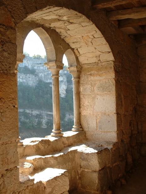 Rocamadour. Chemin de Ronde en bas du Sanctuaire 1 - Auteur : Yann LESELLIER
