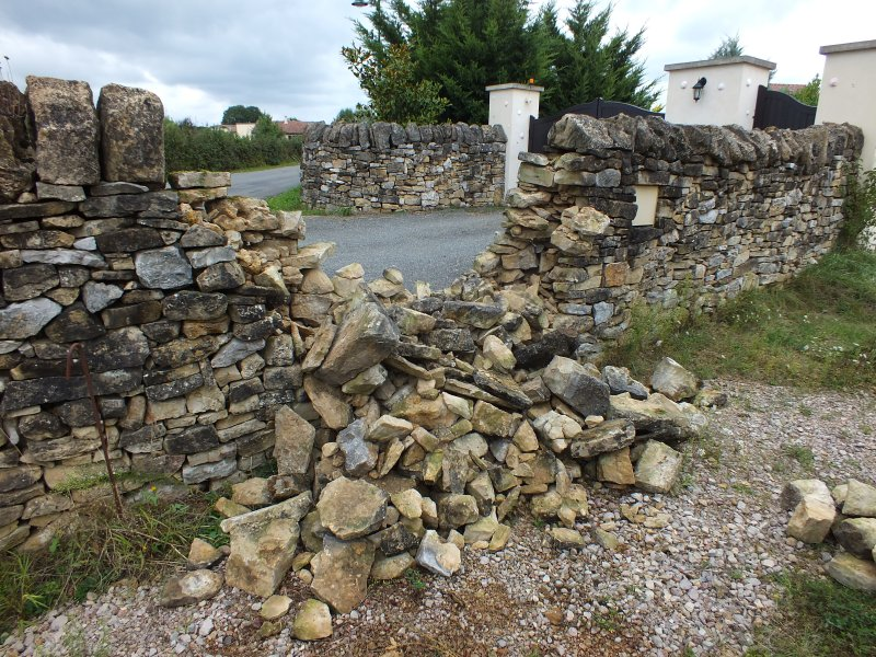 Lot murets en pierre s che lot 46 - Comment faire un mur en pierre ...