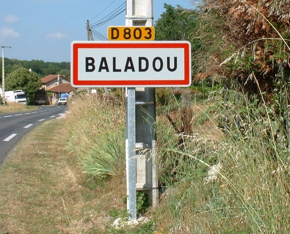 Panneau du village de Baladou