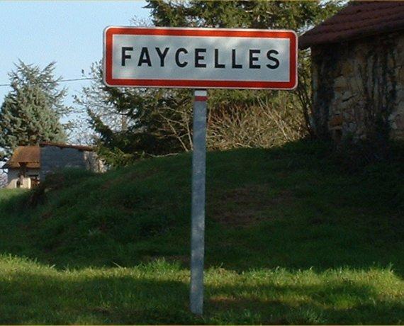 Panneau du village de Faycelles dans le Lot