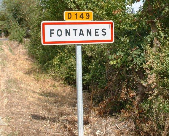 Panneau du village de Fontanes dans le Lot