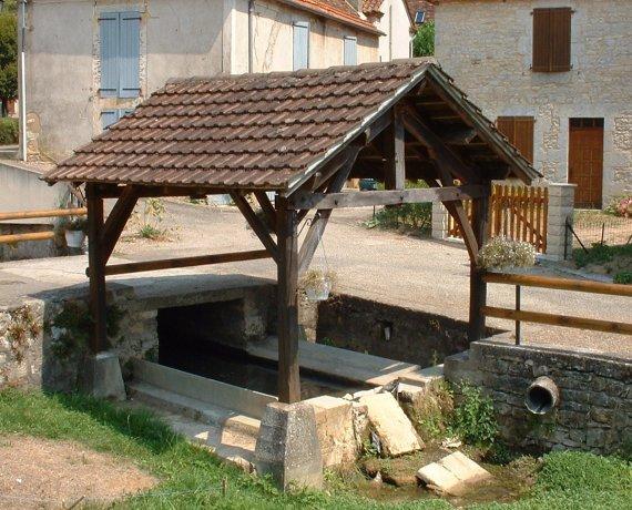 Lavoir à Saint-Chamarand dans le Lot