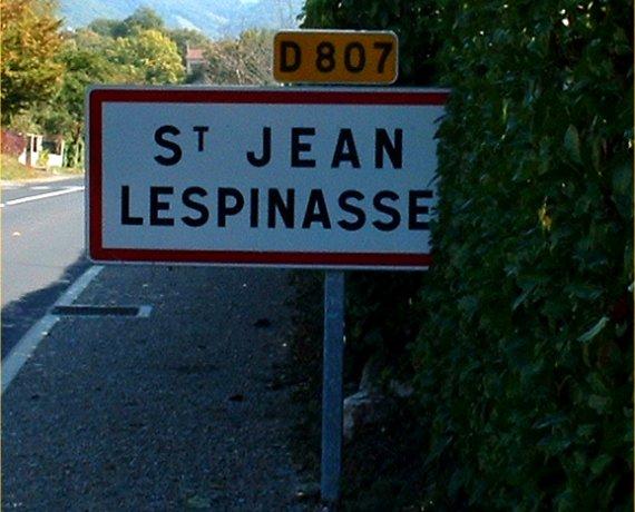 Panneau du village de Saint-Jean-Lespinasse