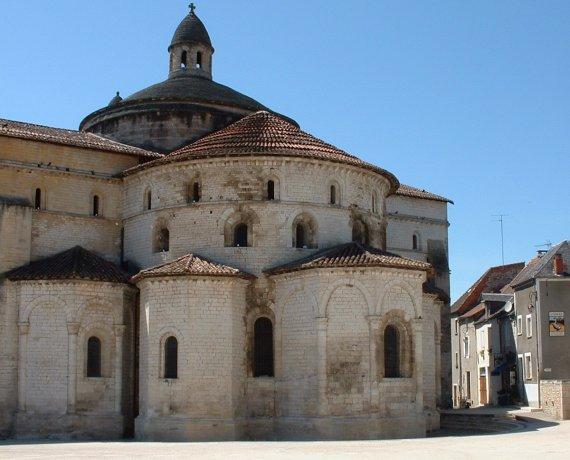L'abbatiale Sainte-Marie à Souillac (rue Louqsor) dans le Lot