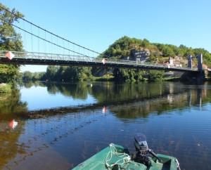 Pont suspendu sur le Lot (construit en 1842) à Cajarc