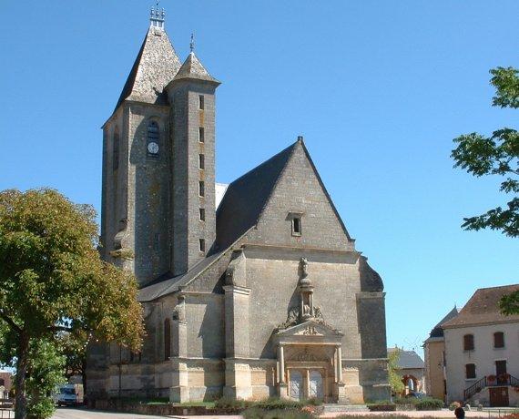 Église Saint-Pierre à Assier (bourg) dans le Lot