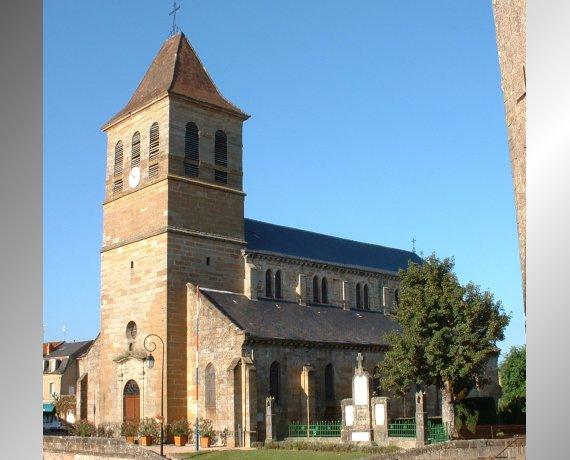 Église Notre-Dame de l'Assomption à Lacapelle-Marival (place du Fort) dans le Lot