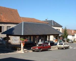 Halle de Livernon (bourg) dans le Lot