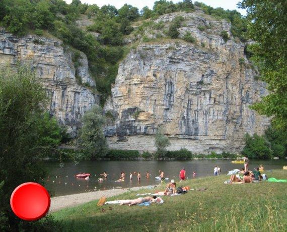 Point de baignade à Monvalent (gluges) dans le Lot