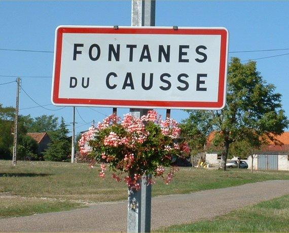 Panneau du village de Fontanes-du-Causse dans le Lot