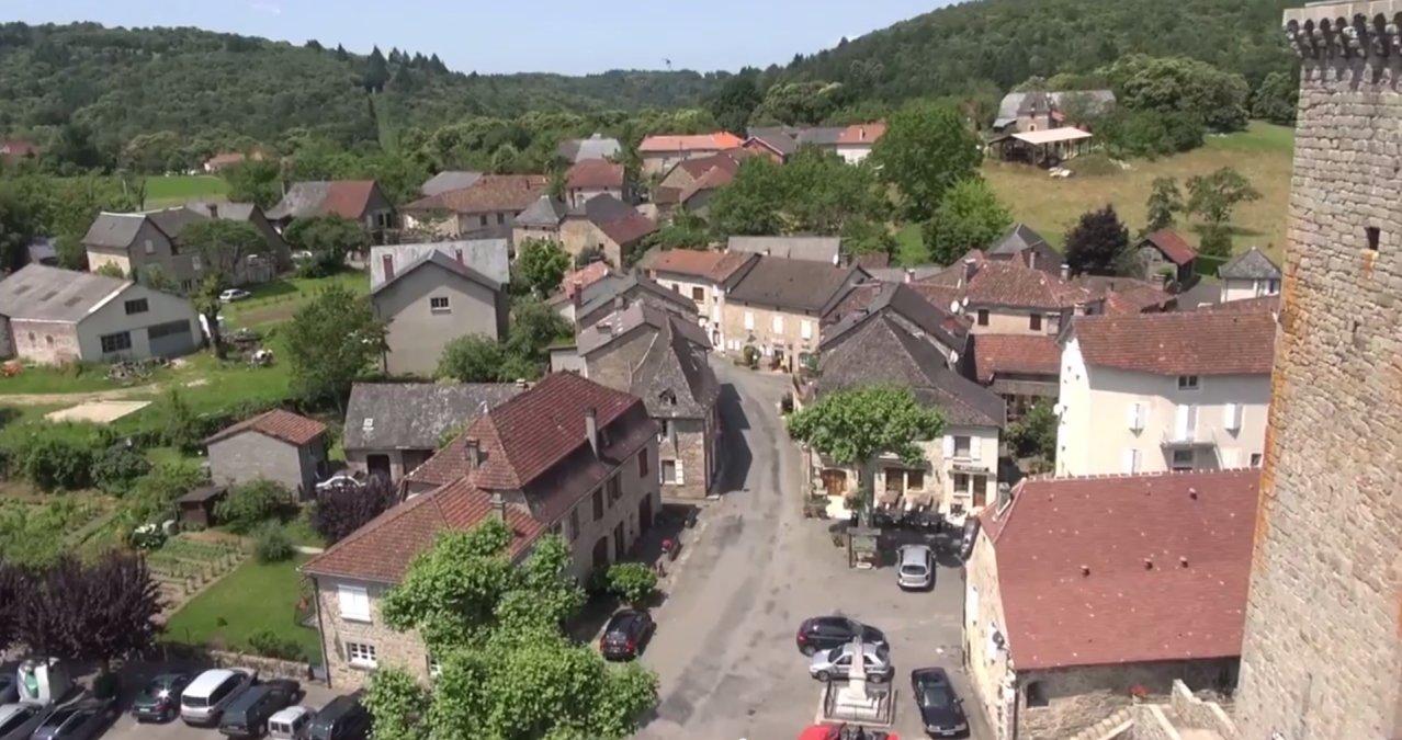 Teyssieu dans le Lot vu par un drone