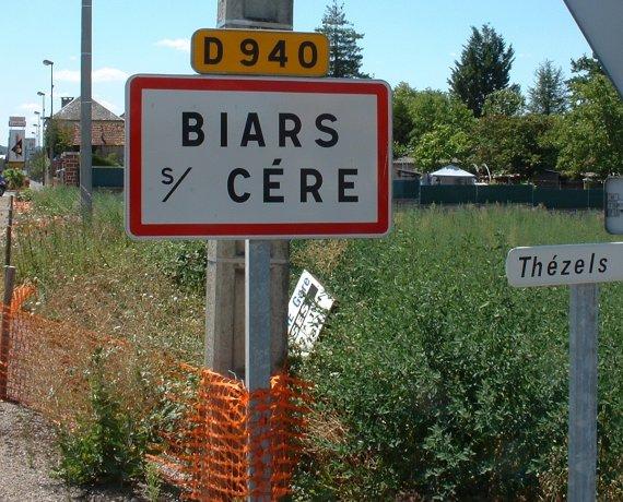 Panneau du village de Biars-sur-Cère dans le Lot