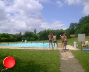 La piscine de Goujounac dans le Lot