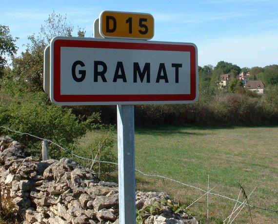 Panneau du village de Gramat dans le Lot