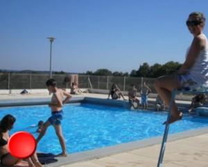 La piscine de Labastide-Murat dans le Lot