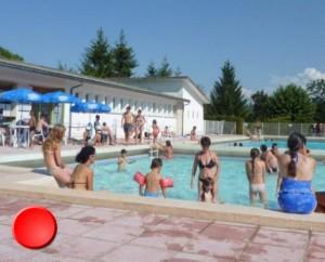 La piscine de Lacapelle-Marival dans le Lot