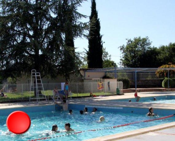 La piscine de Limogne-en-Quercy dans le Lot