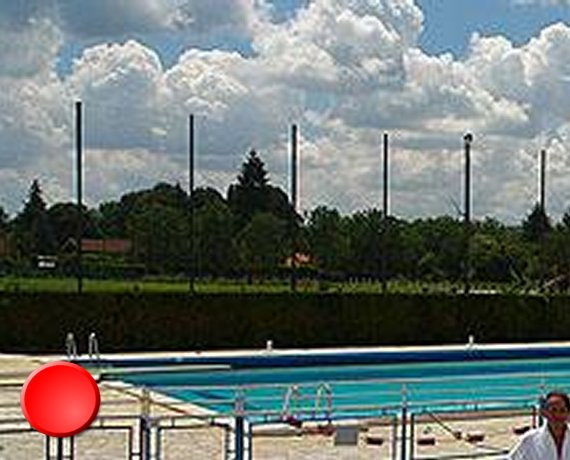 La piscine de Prayssac dans le Lot