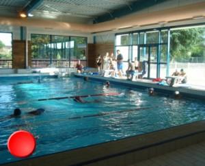 La piscine de Puy-l'Évêque dans le Lot
