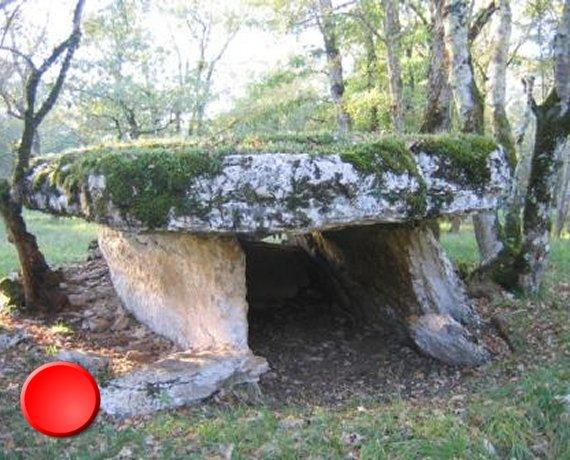 Dolmen de la Gabaudet 1 à Issendolus dans le Lot