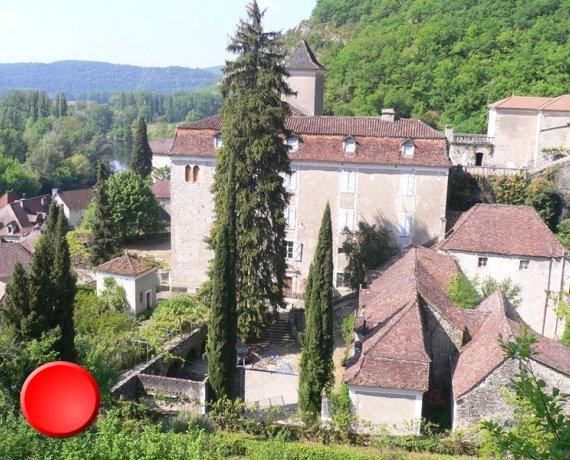 Château de Larnagol dans le Lot