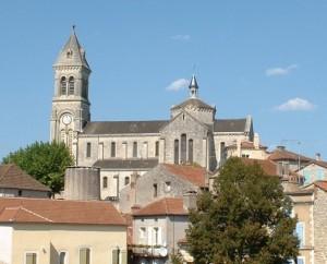 Église Saint-Étienne à Albas dans le Lot (bourg)