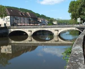 Pont Gambetta sur le Célé à Figeac dans le Lot