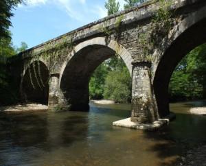 Pont de Colombier sur le Célé à Saint-Jean-Mirabel dans le lot