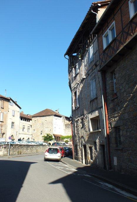 Rue du Canal à Figeac dans le Lot