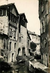 Ancien canal des 3 moulins à Figeac (rue du canal) dans le Lot