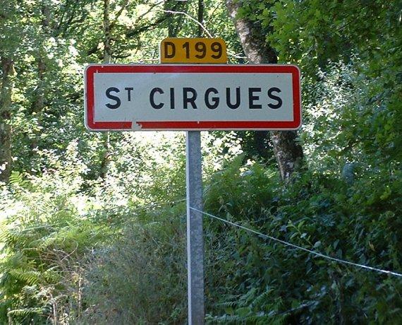Panneau du village de Saint-Cirgues dans le Lot