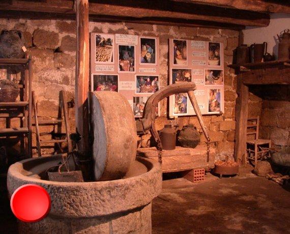 Musée éclaté de Cardaillac dans le Lot (bourg)