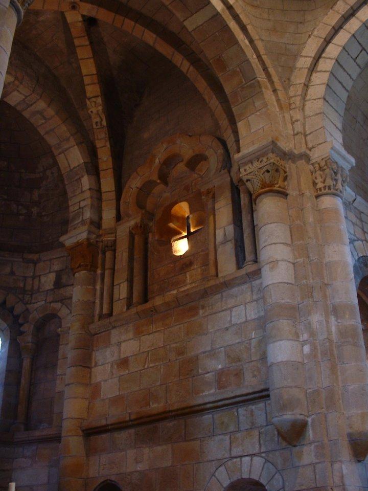 L'église Saint-Pierre-ès-Liens à Saint-Pierre-Toirac dans le Lot
