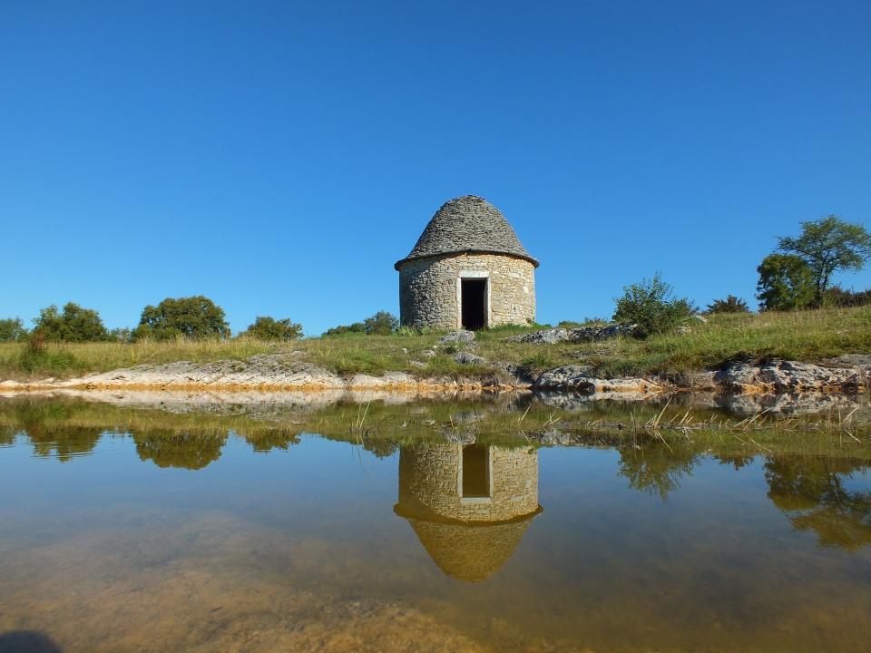 Caselle du Lac de Lacam à Livernon dans le Lot