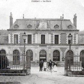 Gare ferroviaire de Figeac dans le Lot (Vue Nord du bâtiment voyageur)