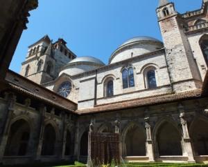 Cathédrale Saint-Étienne à Cahors dans le Lot (Place Chapou)