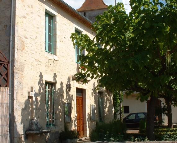 La mairie de Concots dans le Lot