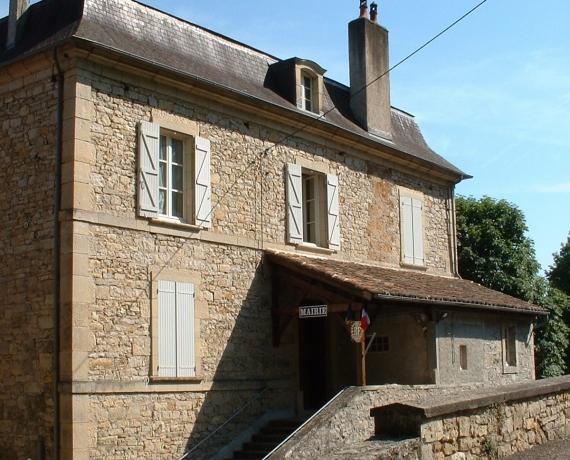 La mairie de Larroque-Toirac dans le Lot