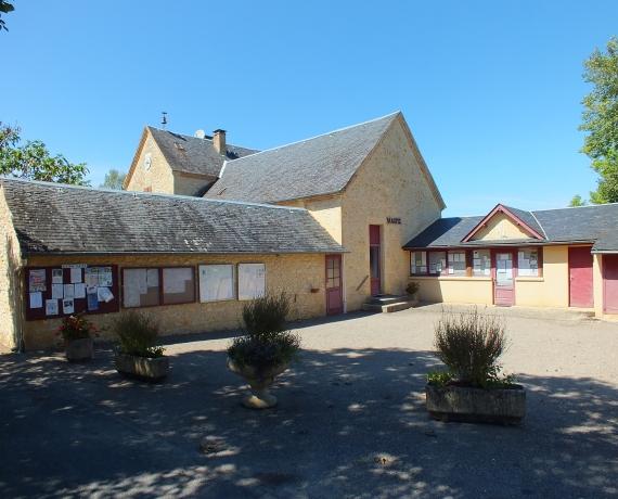La mairie de Nadaillac-de-Rouge dans le Lot