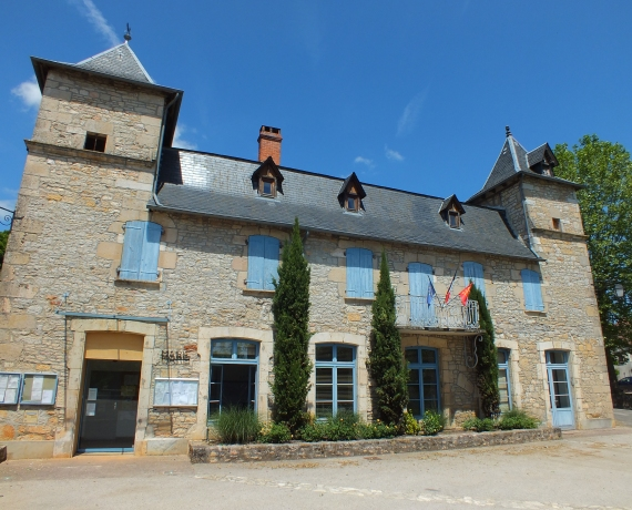 Mairie d'Assier dans le Lot