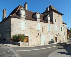 Mairie de Carlucet dans le Lot