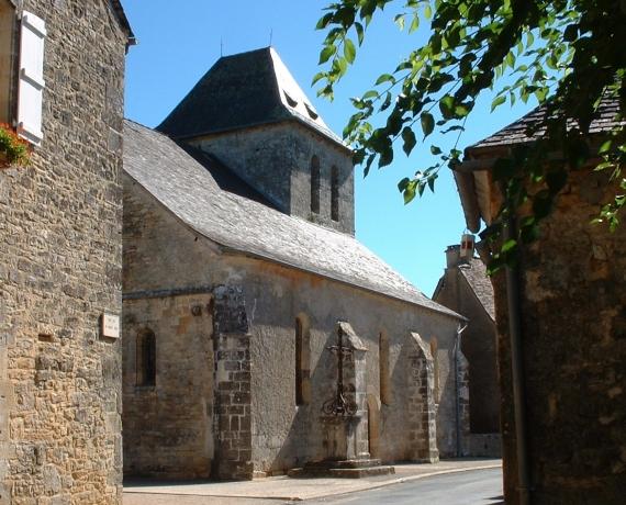 Église Saint-Pierre à Cuzance dans le Lot