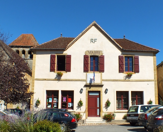 Mairie de Montcléra dans le Lot