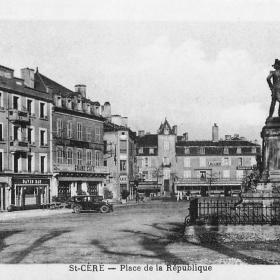 La place de la République à Saint-Céré dans le Lot