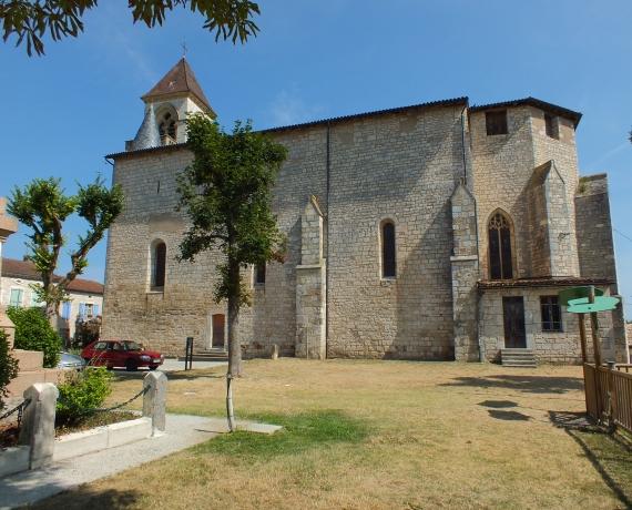 Église Saint-Quirin à Lalbenque dans le Lot (Place de l'église)