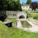 Saint-Jean-Lespinasse. Le lavoir de la fontaine de Fenouil