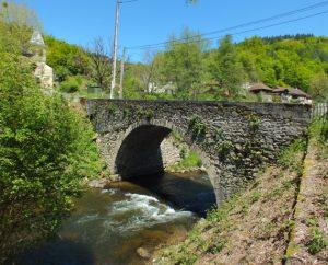 Pont sur le Tolerme à Latouille-Lentillac (La Plaine)