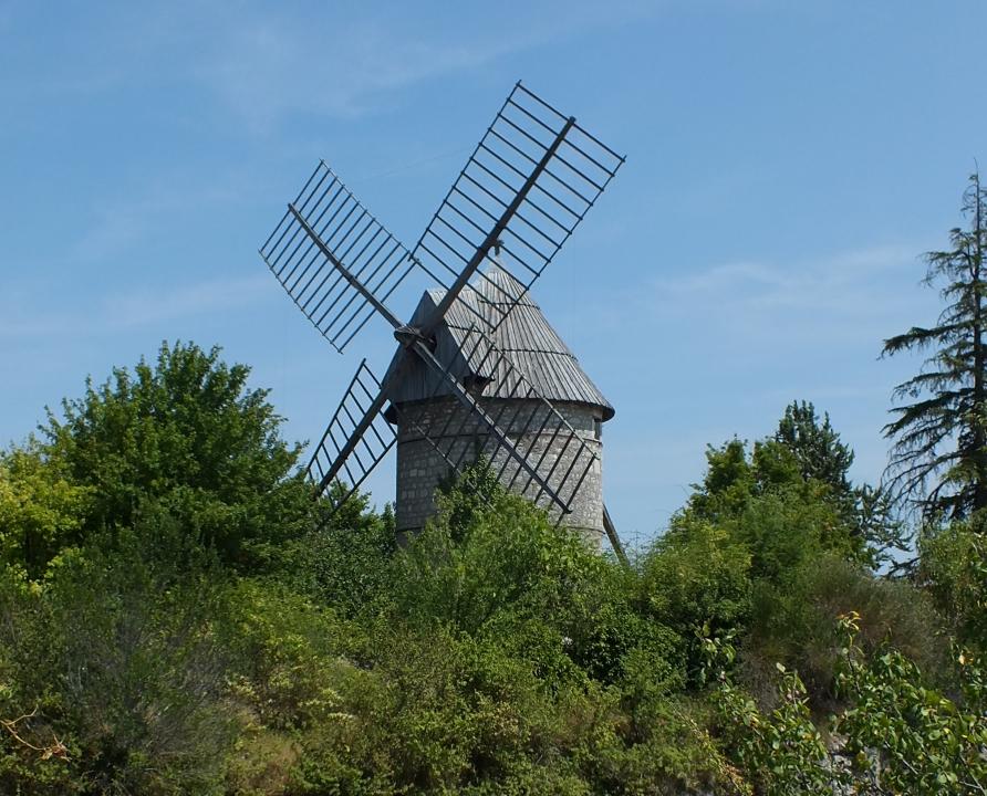 Circuits randonnée pédestre - Castelnau-Montratier - Circuit des plateaux et des moulins - 14km (moulin à vent de Rigal à Castelnau-Montratier)