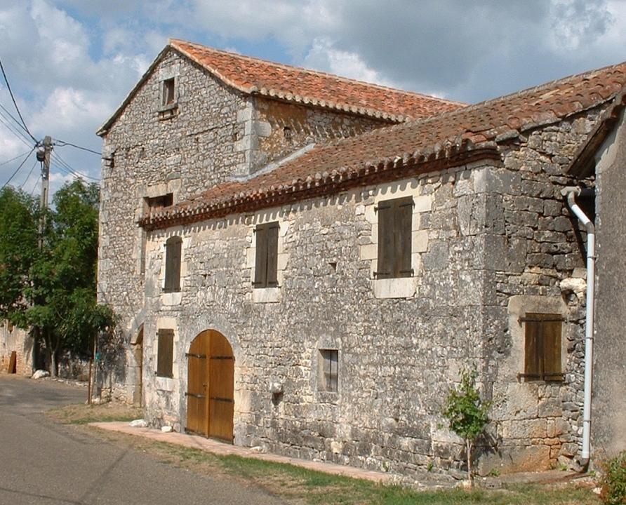 Circuits randonnée pédestre - Escamps - La Boucle des Sompes - 13km (vieille demeure à Escamps)